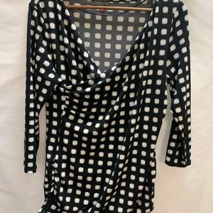 Vince Camuto black white geometric wrap blouse LG